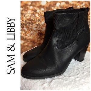 Sam & Libby Black Zip Back Ankle Booties